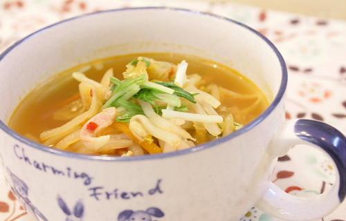 今日のキムチ料理レシピ:モヤシとキムチのスープ