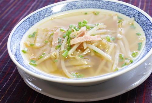 今日のキムチ料理レシピ:もやしとキムチのスープ煮
