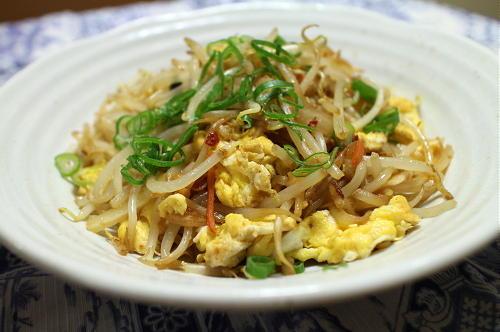 今日のキムチレシピ:もやしとキムチの卵炒め