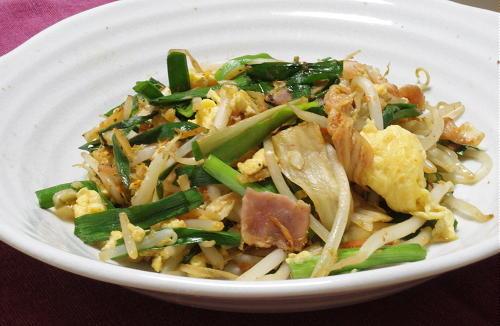 今日のキムチ料理レシピ:もやしとキムチの卵炒め