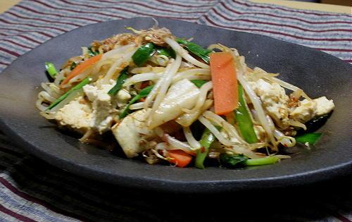 今日のキムチ料理レシピ:もやしと豆腐のキムチ炒め