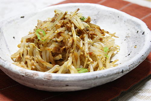 もやしとツナのピリ辛炒めレシピ