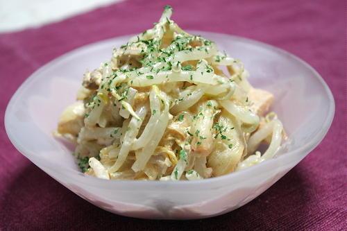 今日のキムチ料理レシピ:もやしとキムチのツナマヨサラダ