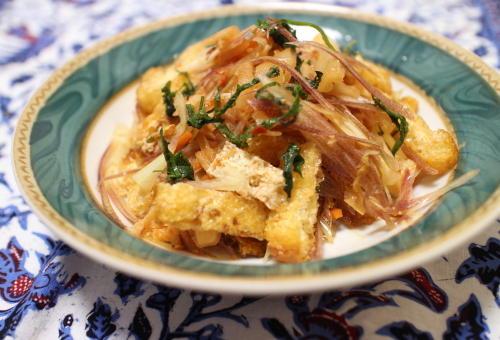 今日のキムチ料理レシピ:みょうがと油揚げのキムチ和え