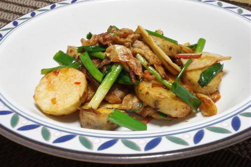 今日のキムチ料理レシピ:長芋と豚肉のキムチ炒め