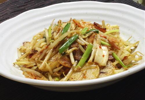 今日のキムチ料理レシピ:長芋とキムチのカレー炒め