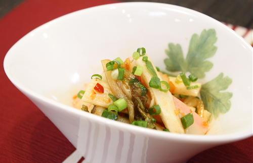 今日のキムチ料理レシピ:長いもとカマボコのキムチ和え