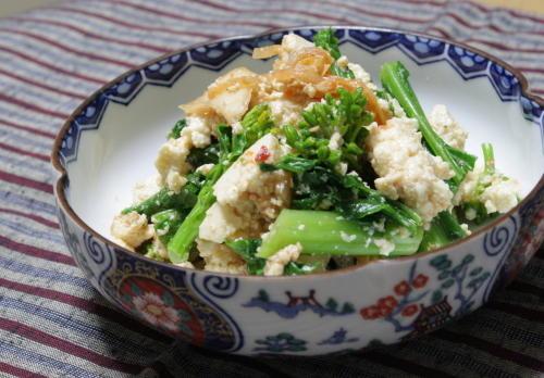 今日のキムチ料理レシピ:菜の花と豆腐のキムチ胡麻和え