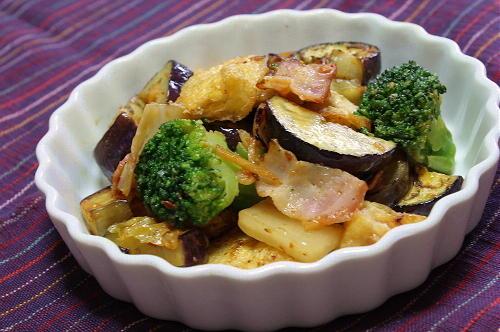 今日のキムチ料理レシピ:茄子と油揚げとキムチの味噌炒め