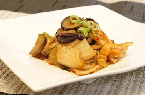 今日のキムチ料理レシピ:茄子とキムチの甘辛炒め