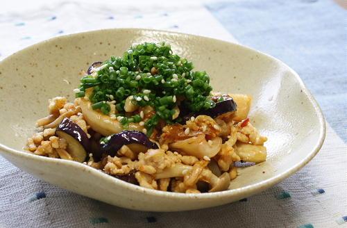 今日のキムチ料理レシピ:茄子とキムチの甘酢炒め