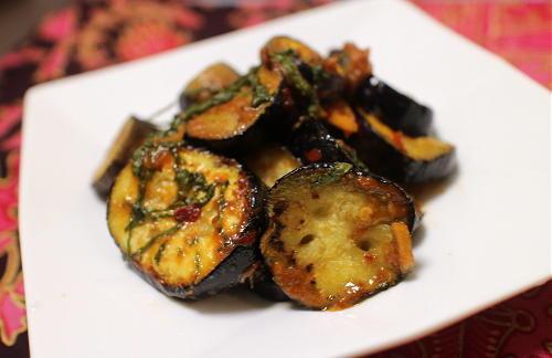 今日のキムチ料理レシピ:なすのピリ辛青じそみそ炒め