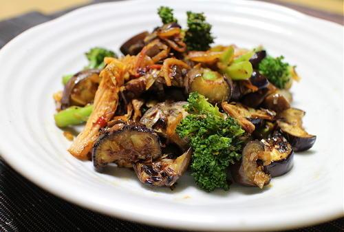 今日のキムチレシピ:ナスとブロッコリーのキムチ炒め