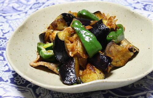 今日のキムチ料理レシピ:茄子と豚肉とキムチのケチャップ炒め
