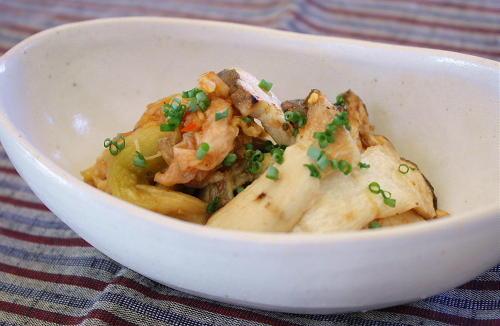 今日のキムチ料理レシピ:焼きなすとエリンギとキムチのポン酢和え