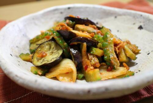 今日のキムチ料理レシピ:ゴーヤとなすとキムチのみそ炒め