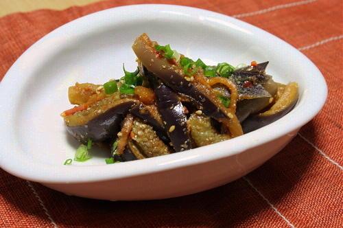今日のキムチ料理レシピ:茄子とキムチのごま和え