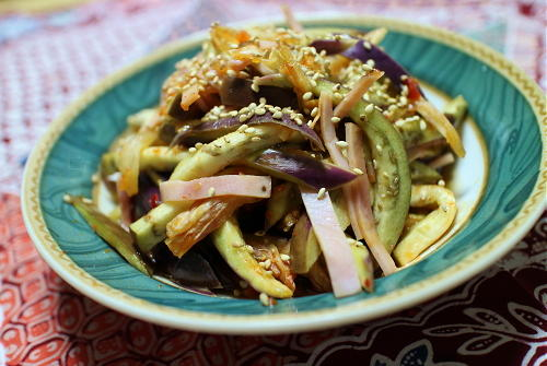今日のキムチレシピ:茄子とハムのキムチサラダ