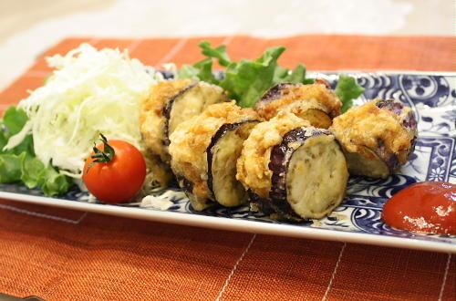 今日のキムチ料理レシピ:キムチ肉団子の茄子はさみ揚げ