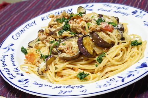 今日のキムチ料理レシピ:茄子とひき肉のキムチパスタ