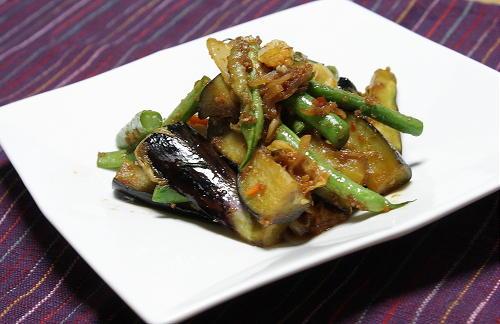 今日のキムチ料理レシピ: 茄子といんげんとキムチの生姜炒め