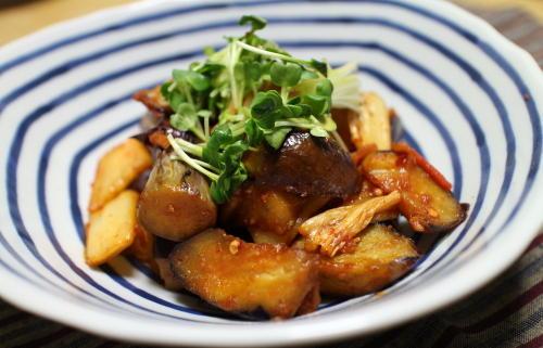 今日のキムチレシピ:ナスとキムチのケチャップ炒め