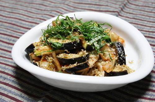 今日のキムチ料理レシピ:なすとキムチの和え物