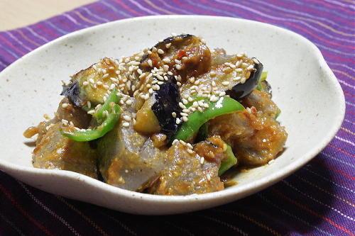 今日のキムチ料理レシピ:ナスとこんにゃくのピリ辛味噌炒め