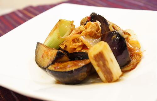 今日のキムチ料理レシピ:ナスとキムチの味噌炒め