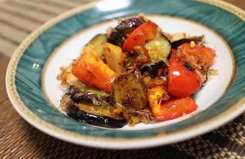 今日のキムチ料理レシピ:なすとパプリカのキムチおかか和え