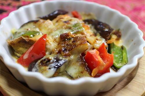 今日のキムチ料理レシピ:茄子とキムチのチーズ焼き