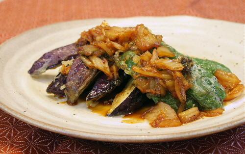 今日のキムチ料理レシピ:揚げなすとピーマンのキムチダレ