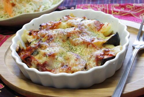 茄子とベーコンとポテトのピリ辛チーズ焼きレシピ