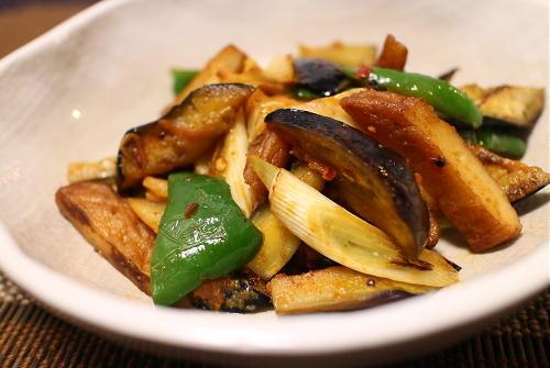 今日のキムチ料理レシピ:茄子とさつま揚げキムチみそ炒め