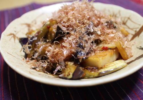 今日のキムチレシピ:ナスとさつま揚げのキムチ煮