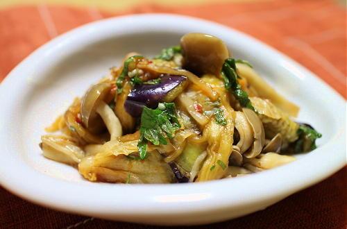 今日のキムチレシピ:茄子としめじとキムチの和え物