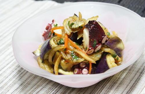 今日のキムチ料理レシピ:茄子とタコのキムチポン酢和え