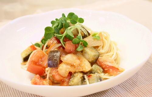今日のキムチ料理レシピ:トマトとなすとキムチのパスタ