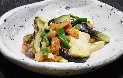 今日のキムチ料理レシピ: 茄子と豆腐とキムチの甘味噌炒め