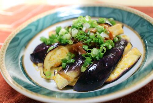 今日のキムチ料理レシピ:茄子の梅キムチ和え
