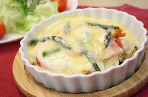今日のキムチ料理レシピ:ナスとキムチのホワイトグラタン