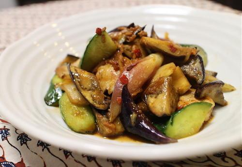 今日のキムチレシピ:夏野菜と鶏肉とキムチの甘酢炒め