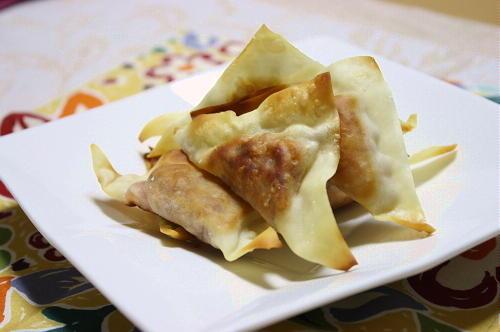 今日のキムチ料理レシピ:納豆キムチの揚げ焼きワンタン