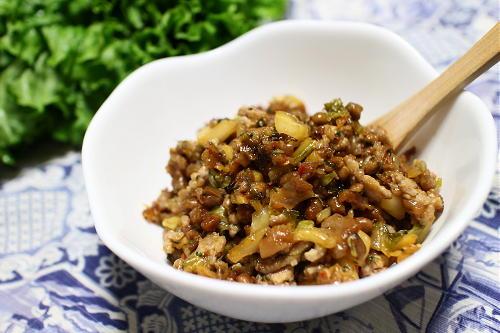 今日のキムチレシピ:納豆キムチひき肉のレタス巻き