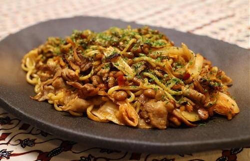 今日のキムチレシピ:納豆キムチ焼きそば