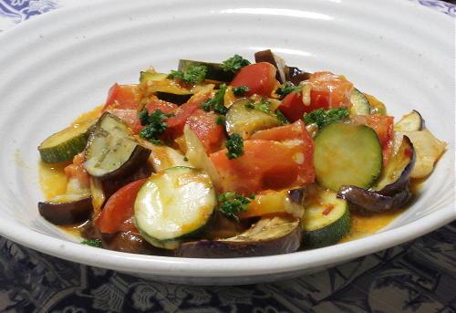今日のキムチ料理レシピ:夏野菜とキムチのチーズ焼き