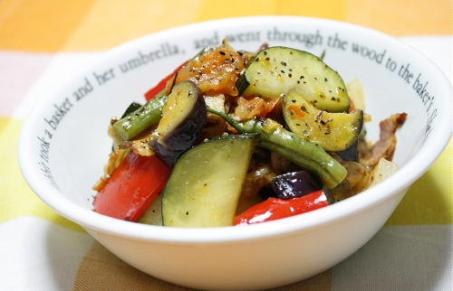 今日のキムチ料理レシピ:夏野菜とキムチの煮込み