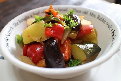 今日のキムチ料理レシピ:夏野菜のキムチ煮込み