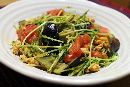今日のキムチ料理レシピ:夏野菜とキムチのひき肉炒め