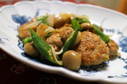 今日のキムチ料理レシピ:キムチ肉団子のオイスターソース炒め
